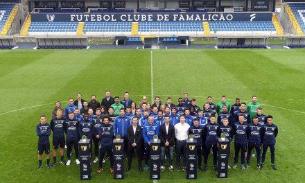 Treinador e jogadores do FC Famalicão recebem prémios da Liga Portugal