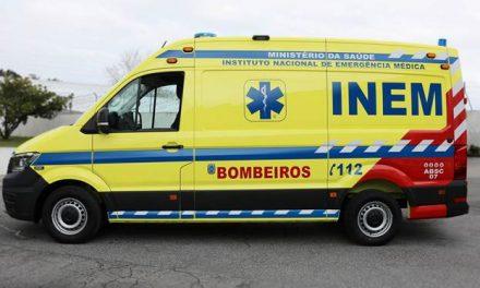 Bombeiros de Santo Tirso, Trofa e Famalicão recebem novas ambulâncias do INEM