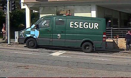 Homens armados assaltam carrinha de valores em Pedome – Vídeo