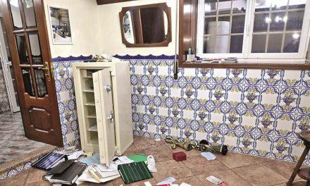 """""""Ou dizes onde está o dinheiro ou matamos o teu marido"""": mulher relata assalto violento em Ribeirão"""