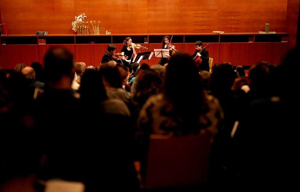 Quarteto de cordas clássico em concerto
