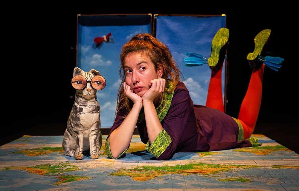 Estranhões e bizarrocos em sessão de teatro para a infância