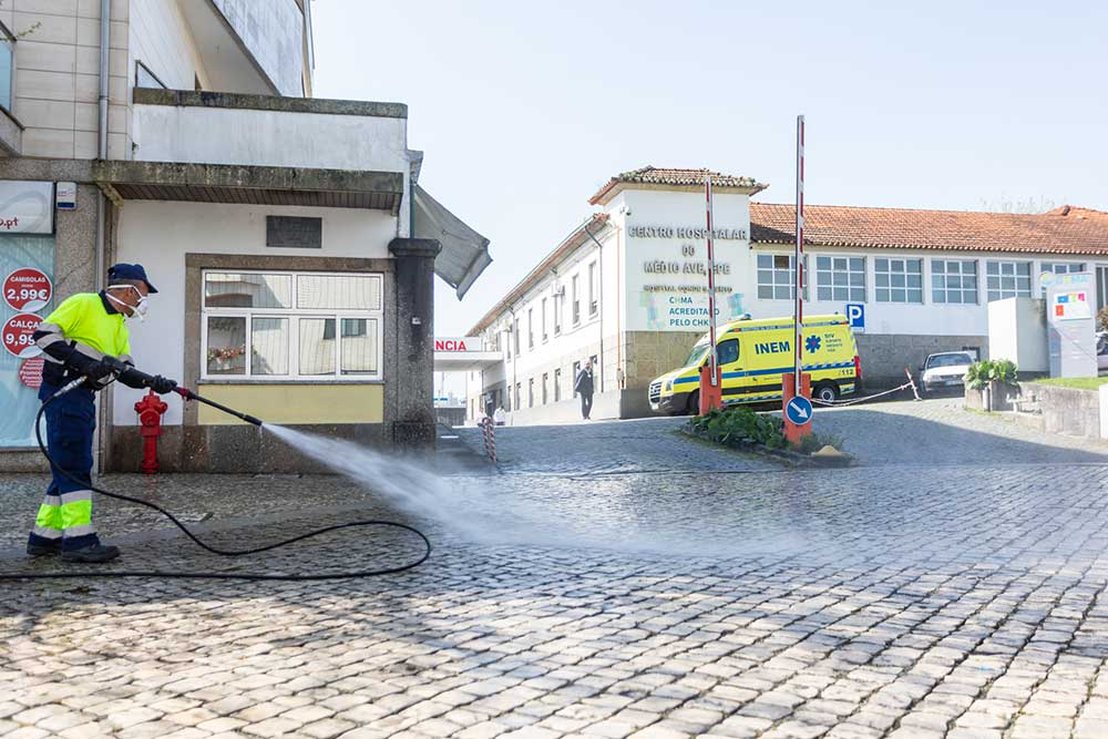 Higienização-das-ruas-é-uma-das-medidas-adotadas